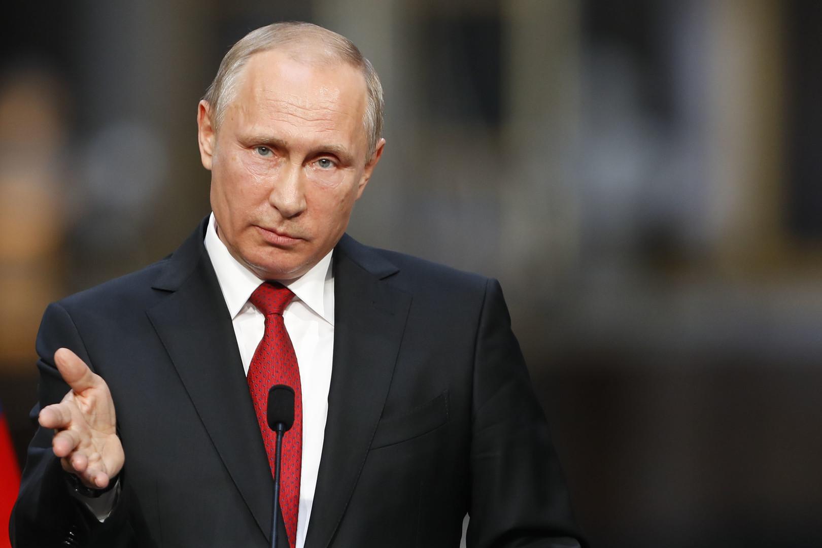 Путин подписал указ о возобновлении авиасообщения с Каиром