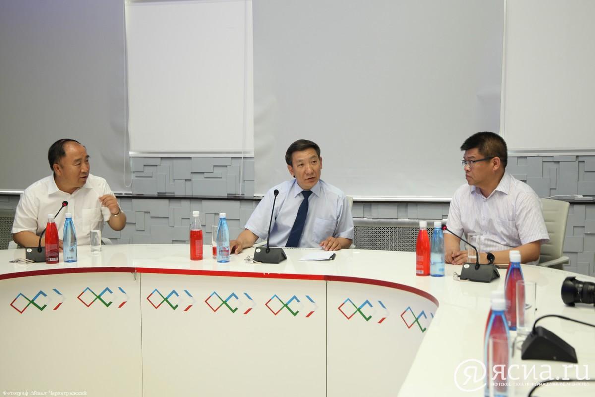 """Журналисты """"Сахамедиа"""" и изданий провинции Хэйлунцзян будут обмениваться опытом"""