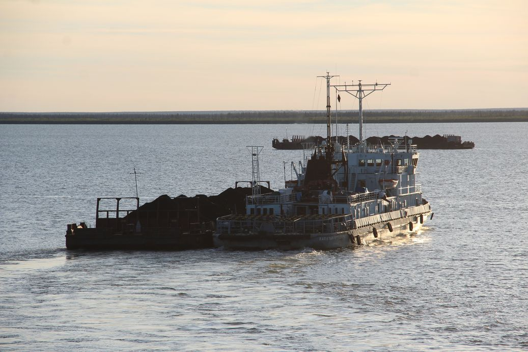 В Якутии план по навигации выполнен и началась подготовка перевозки грузов по автозимникам