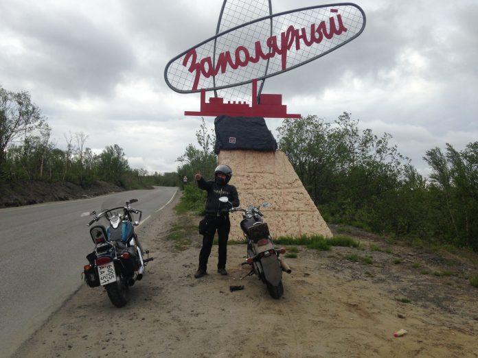2-60-696x522 Якутский байкер два месяца колесил на мотоцикле по стране