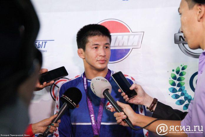 IMG_7896-696x464 Трехкратный чемпион Якутии впервые стал победителем Коркинского турнира