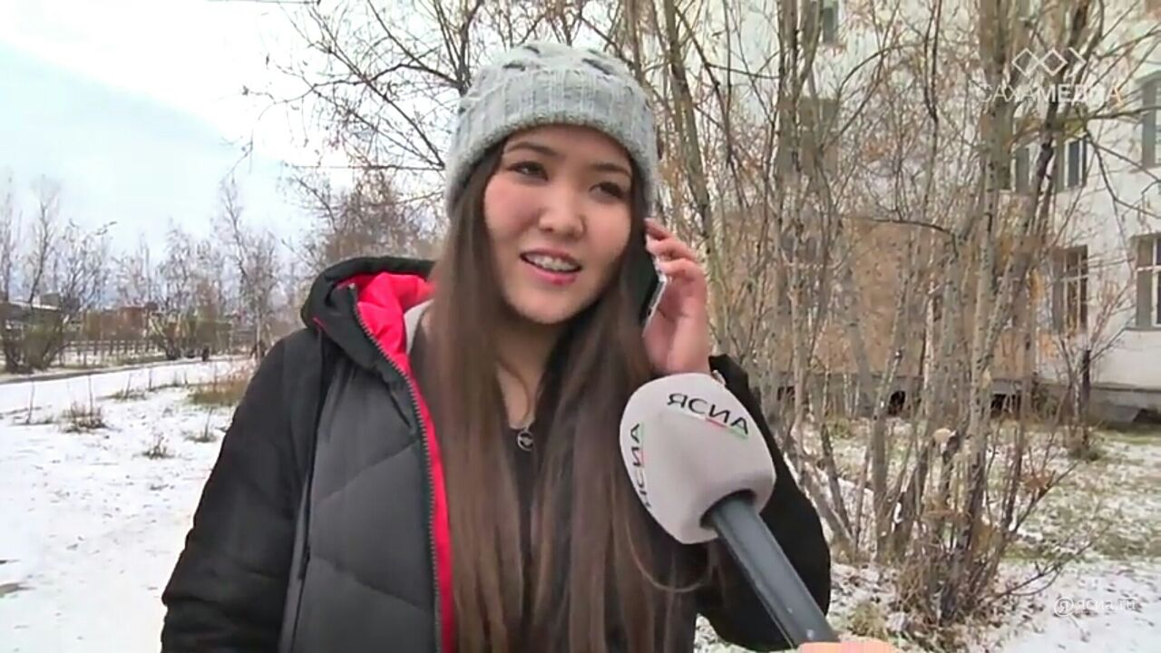 Звонок любимой маме: В преддверии праздника якутяне говорят теплые слова самому дорогому человеку