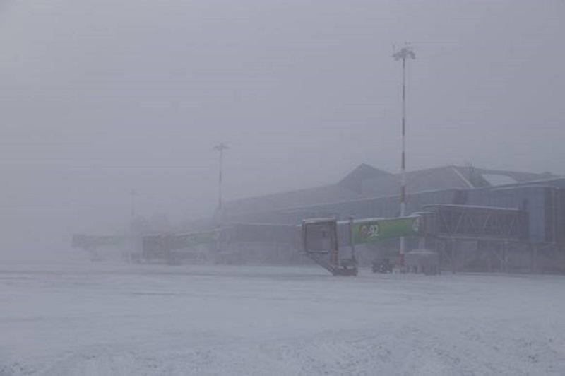 В Якутске из-за тумана не смог приземлиться самолет