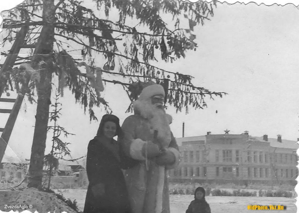 1961_ykt-e1513324912997 Как менялись главные новогодние елки Якутска