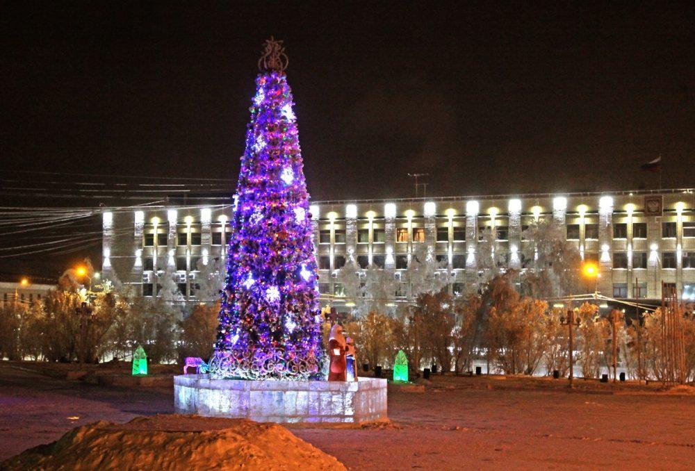 2014-lenin-e1513327846751 Как менялись главные новогодние елки Якутска