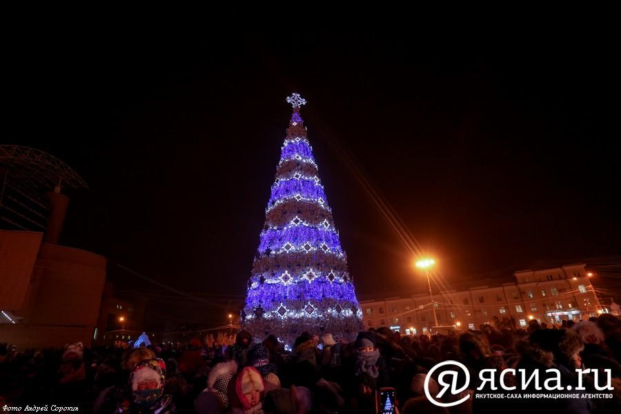 IMG_0621-2 Как менялись главные новогодние елки Якутска