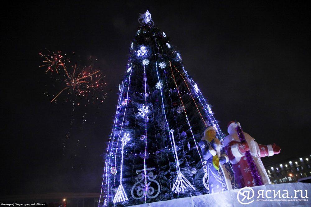 IMG_6094-1-e1513328515172 Как менялись главные новогодние елки Якутска