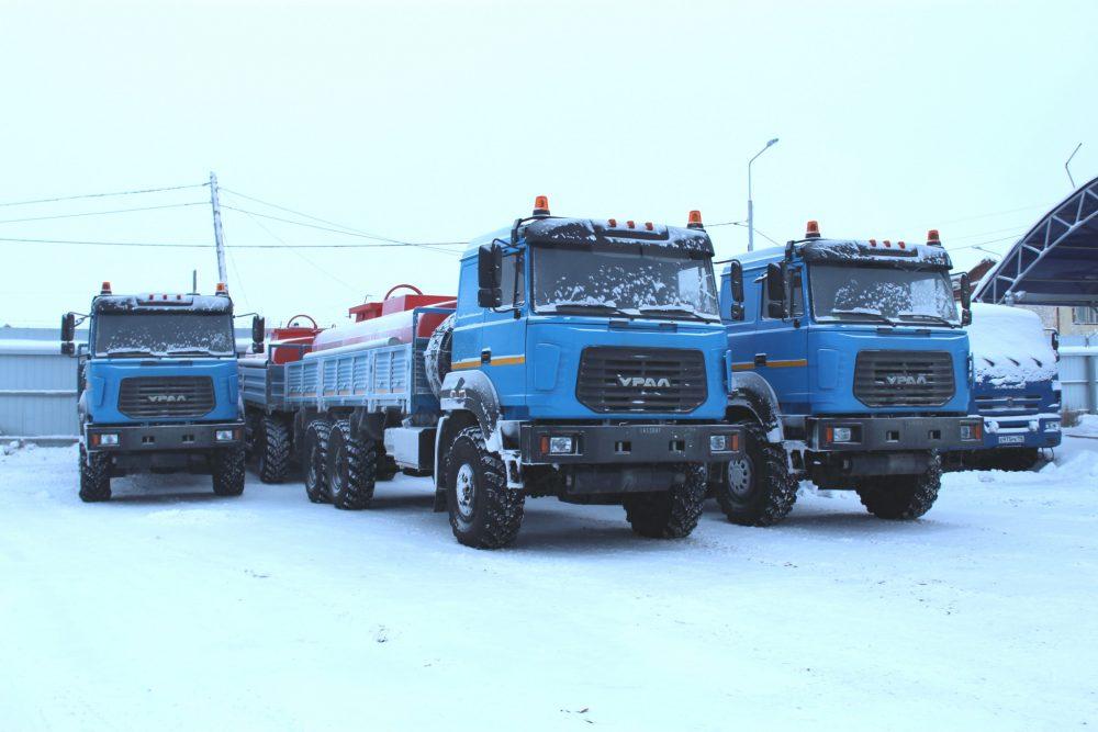 Автопарк спецтехники «Сахаэнерго» пополнен тремя бензовозами