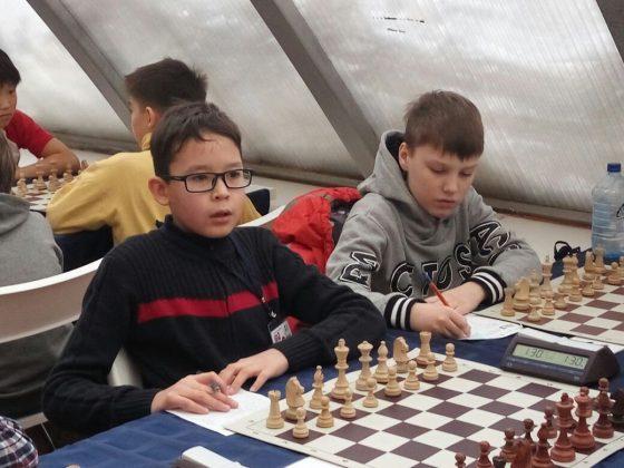 64376666-8b3e-4022-b5e7-7a40cb7ba840-560x420 Школьник из Якутска стал обладателем кубка по шахматам Moscow Open