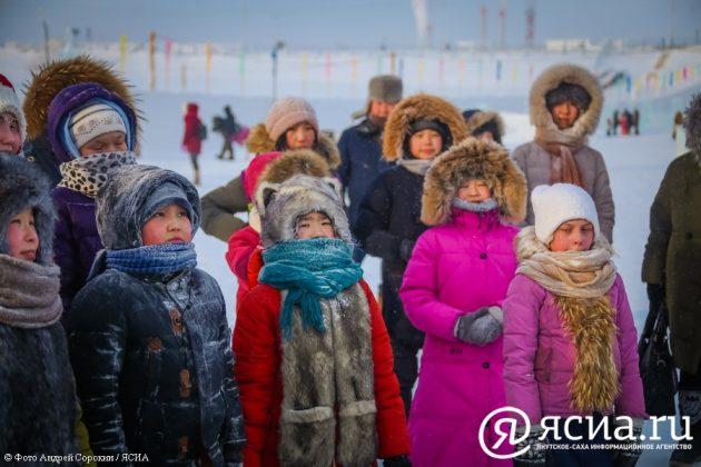 IMG_0188-630x420 В Якутске открылся ледовый городок «Северное сияние»