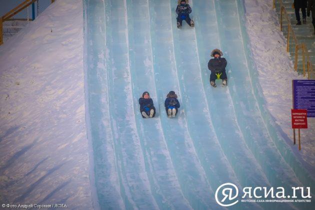 IMG_0198-630x420 В Якутске открылся ледовый городок «Северное сияние»