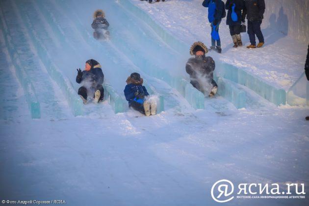 IMG_0206-630x420 В Якутске открылся ледовый городок «Северное сияние»