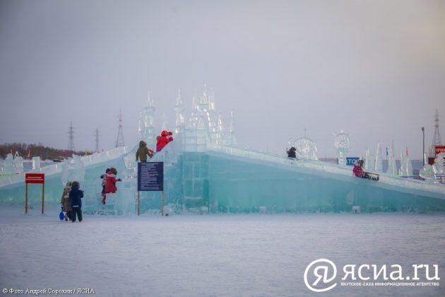 IMG_0265-630x420 В Якутске открылся ледовый городок «Северное сияние»