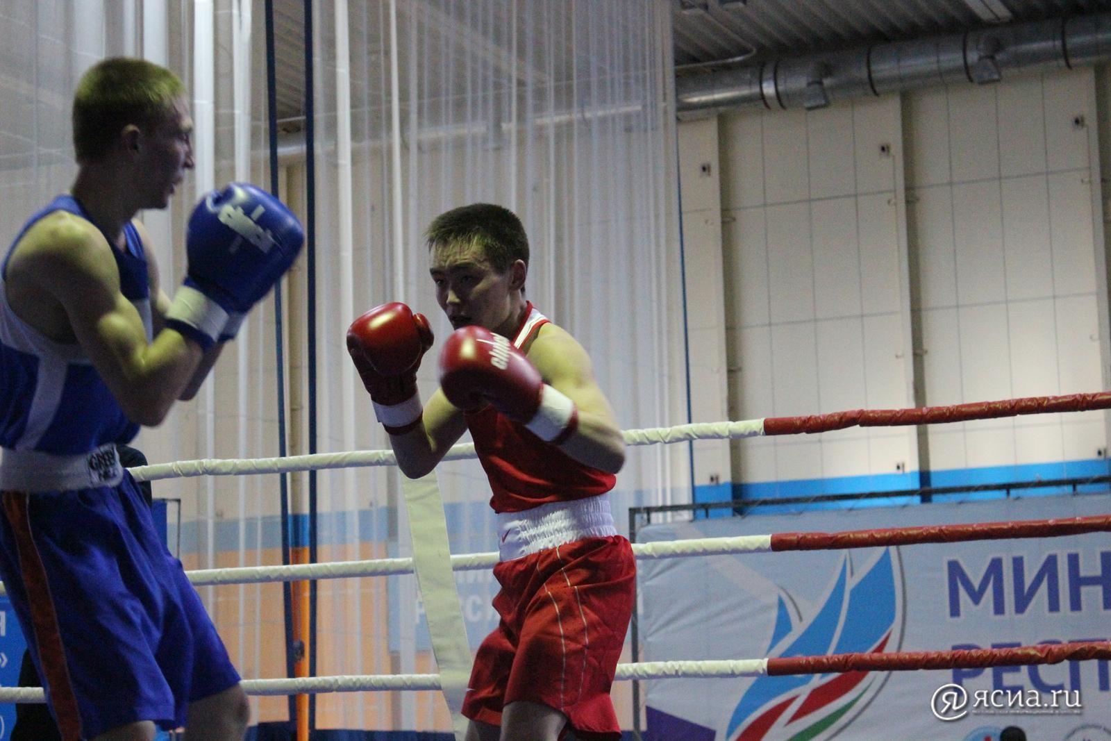 Василий Егоров пробился в финал всероссийского соревнования по боксу