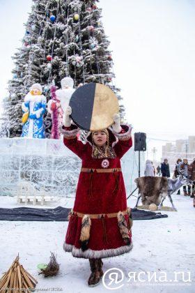 IMG_9769-280x420 В Якутске состоялся праздник встречи Солнца