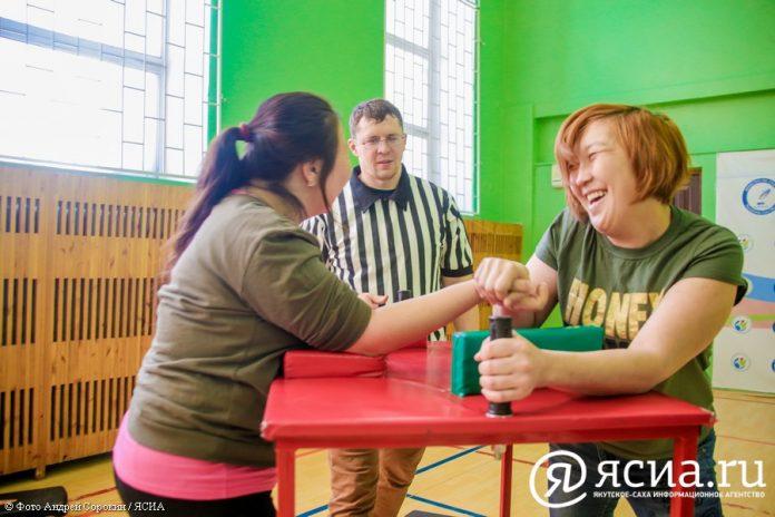 IMG_00961-696x464 В Якутске провели чемпионат по армрестлингу среди людей с инвалидностью