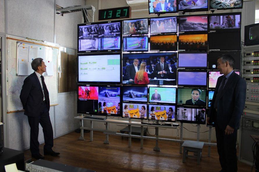 Александр Борисов ознакомил журналистов с инфраструктурой связи