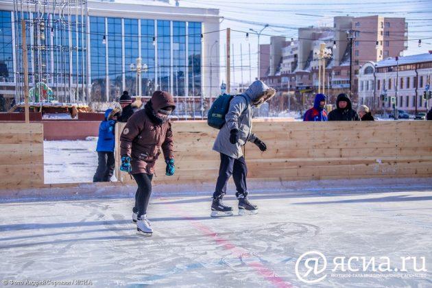 IMG_9648-630x420 В центре Якутска открылся новый общественный каток