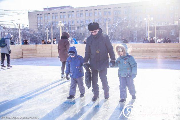 IMG_9652-630x420 В центре Якутска открылся новый общественный каток