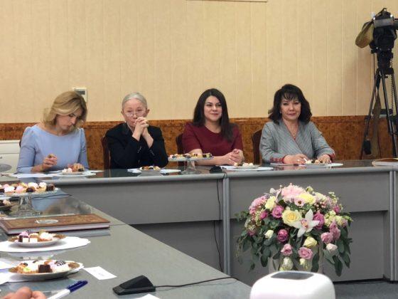 fe369728-6174-464a-b39e-75ccde6ffc04-560x420 Якутянка Флида Габбасова приняла участие во встрече Владимира Путина с женщинами-предпринимателями