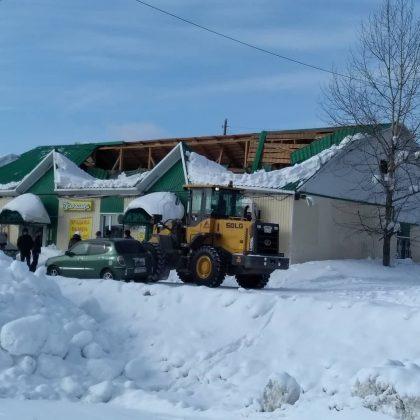 28752793_157584421722161_6720701761775992832_n-420x420 Снегопад проломил крышу многоквартирного жилого дома в Алдане