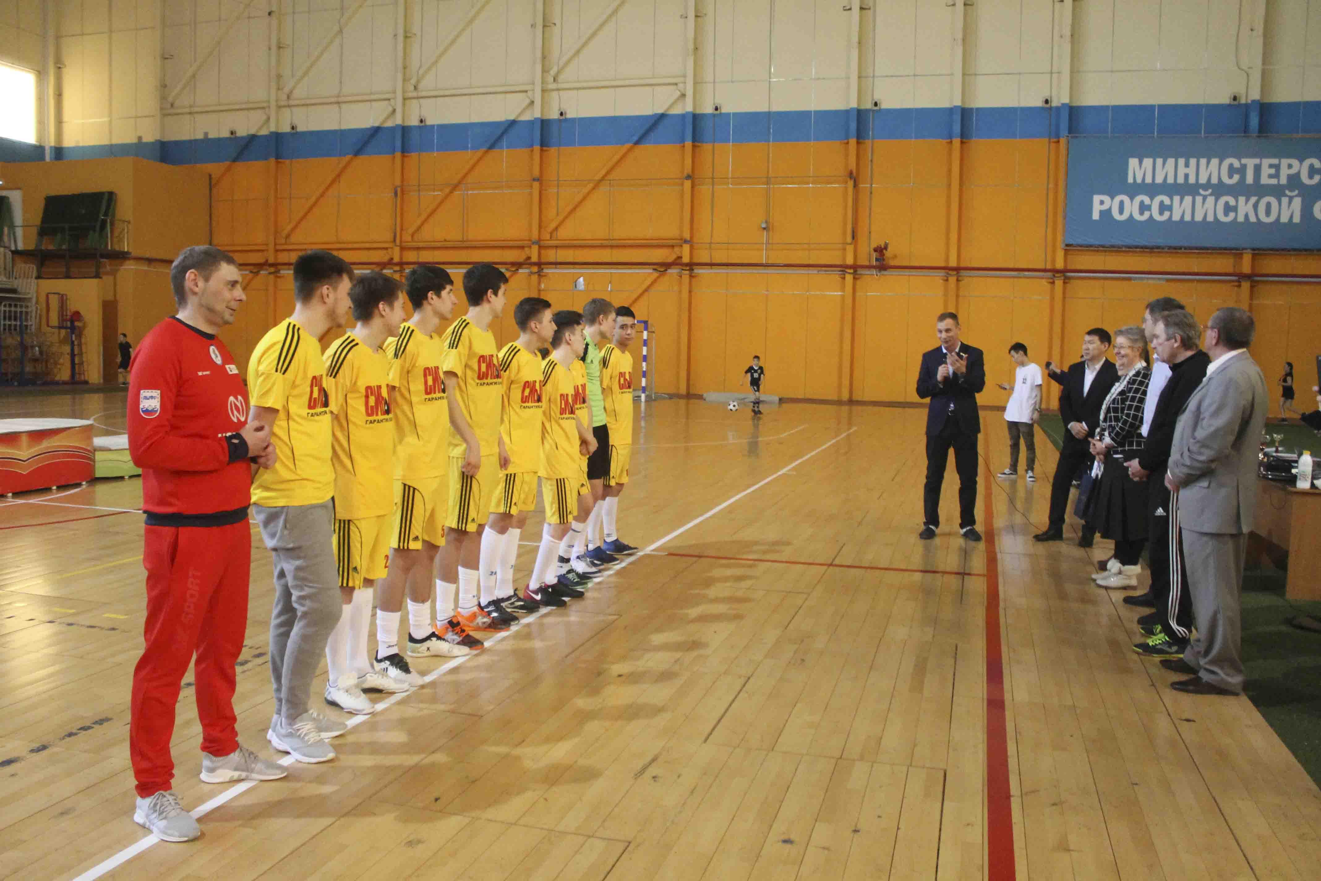 Команда школы Якутска выиграла на всероссийском соревновании по мини-футболу