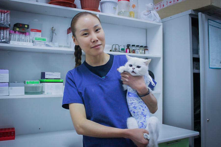 «Наши люди»: Ветеринар Сардана Касьянова