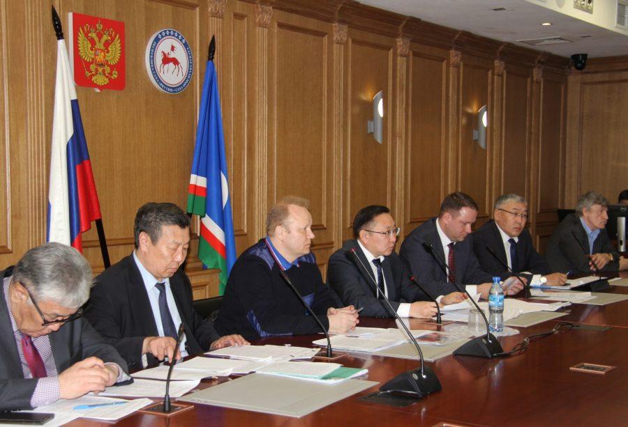 Власти Якутии готовятся к паводку и пожароопасному сезону