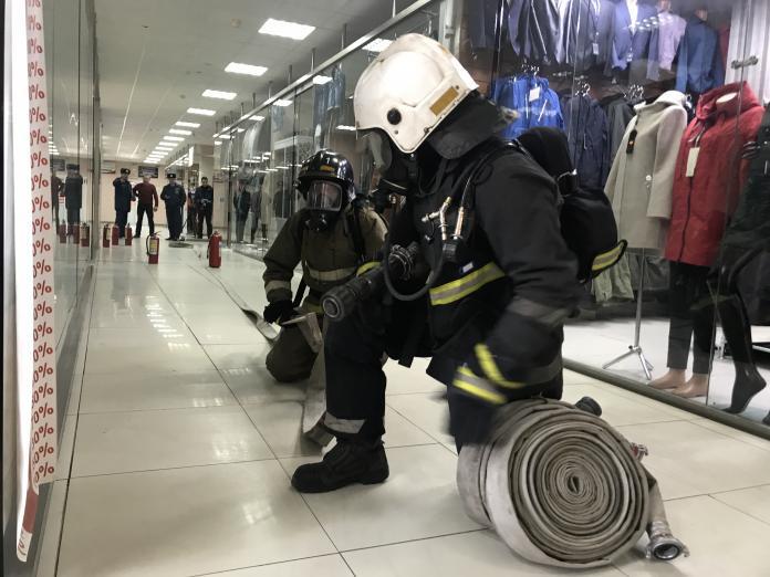 IMG_7146-2-696x522 Глава МЧС России: В каждом втором ТЦ выявлены серьезные нарушения правил пожарной безопасности