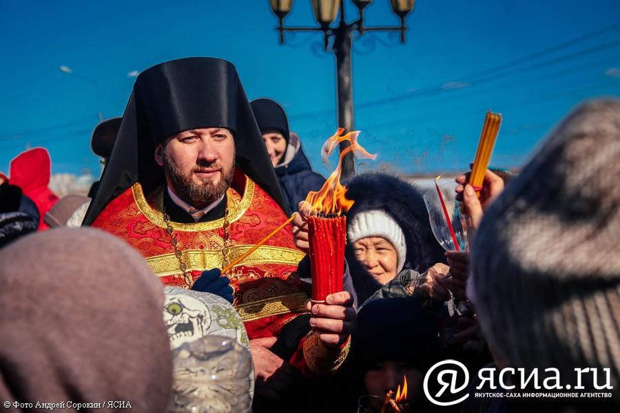 Встреча Благодатного огня в Якутске в объективе ЯСИА