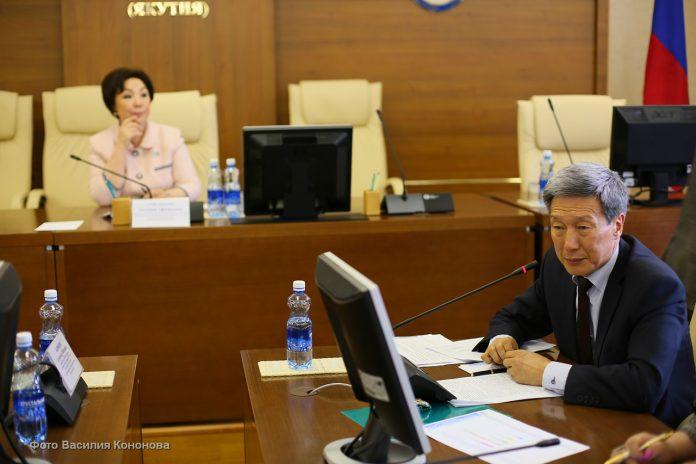 KVA_7610-696x464 Депутаты позитивно оценили деятельность Минсвязи Якутии по реализации целевой госпрограммы развития СМИ