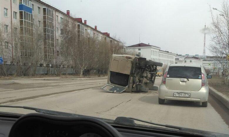 ДТП на улице Кулаковского: столкнулись два авто