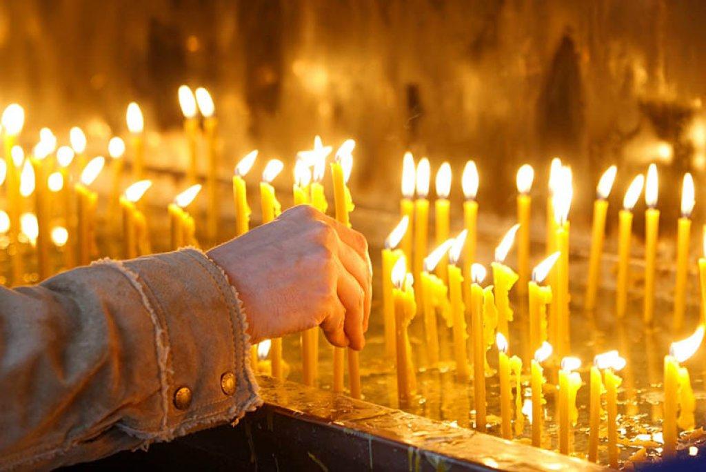 Власти Якутии: Нужно соблюдать все меры санитарной безопасности при посещении кладбищ и церквей