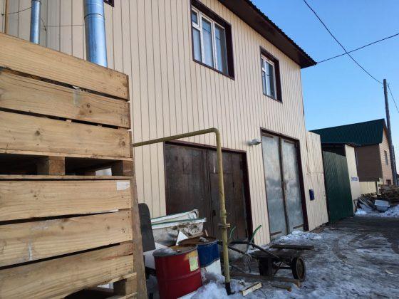 baza-2-560x420 Мигранты в Якутске: «Резиновые квартиры», нелегальные таксисты и овощные монополисты