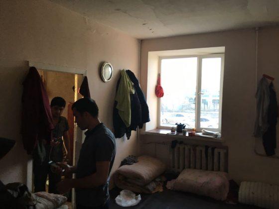 kvartira-2-560x420 Мигранты в Якутске: «Резиновые квартиры», нелегальные таксисты и овощные монополисты
