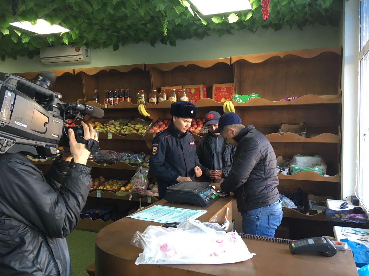 ovoshhnoj-mag Мигранты в Якутске: «Резиновые квартиры», нелегальные таксисты и овощные монополисты