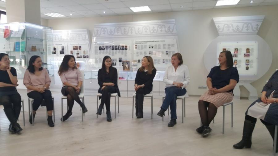 Ольга Вешникова провела семинар-тренинг для волонтеров Алмазэргиэнбанка
