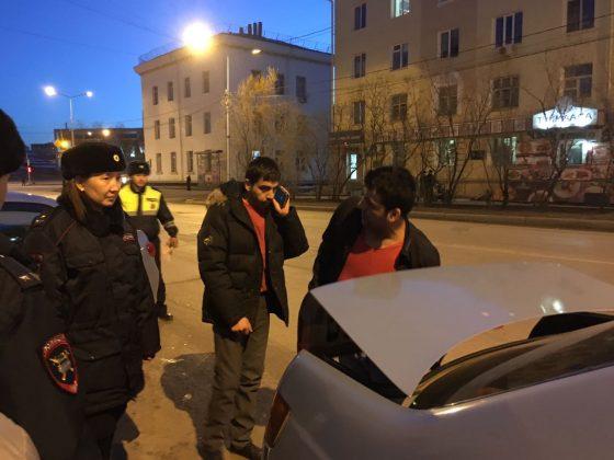 taksi-2-560x420 Мигранты в Якутске: «Резиновые квартиры», нелегальные таксисты и овощные монополисты