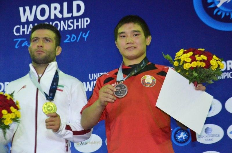Борец Владислав Андреев завоевал бронзовую медаль чемпионата Европы