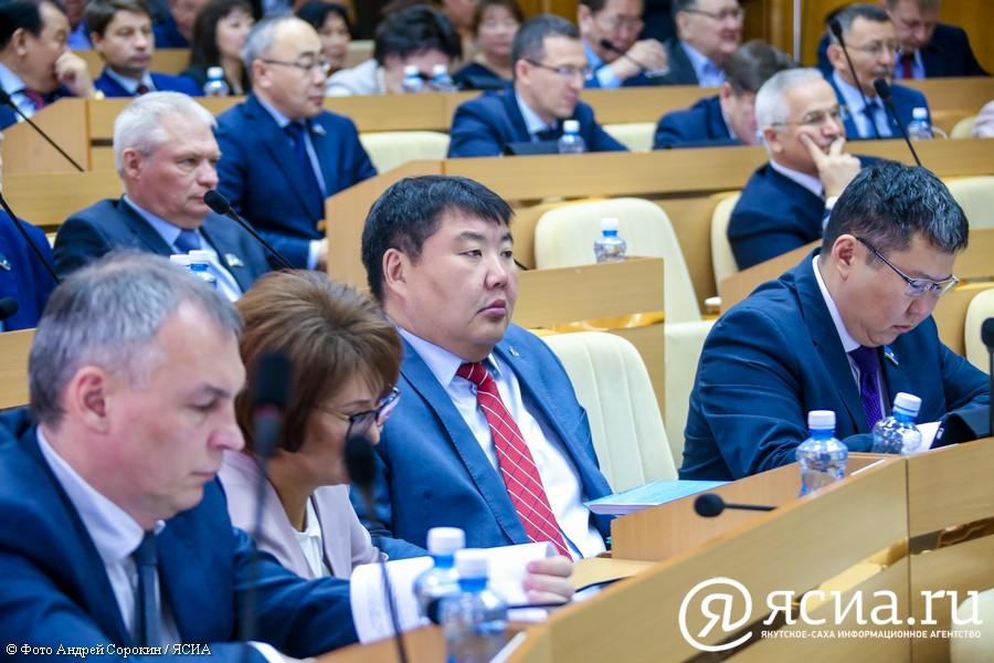 Какие вопросы задали главе Якутии народные депутаты, заслушав итоговый отчет