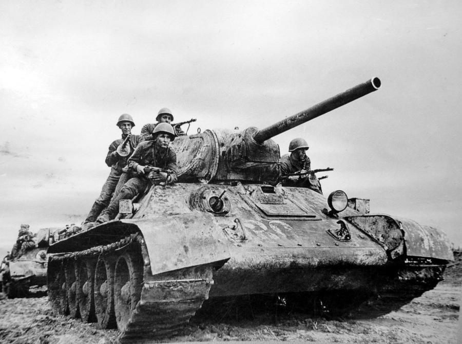 211-e1525791870543 Зенитчик, танкист, стрелок: Они ковали победу на фронтах Великой Отечественной войны