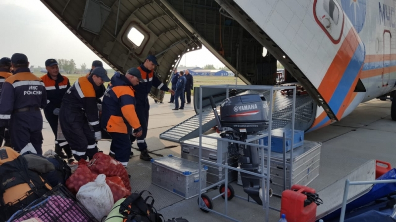 Хабаровские cотрудники экстренных служб вылетели напомощь сотрудникам вЯкутск