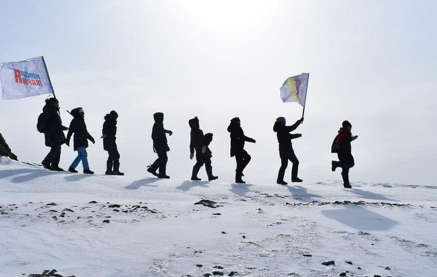 Поход на 1200 метров вверх: Молодежь Устьянья покорила горуЭбэ-Тааһа