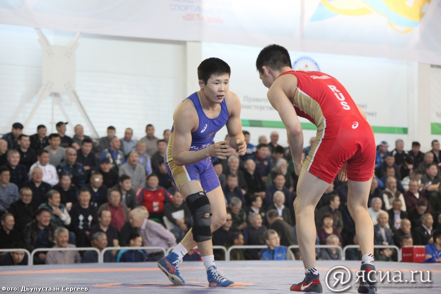 Трое якутских борцов выступят на международном турнире Али Алиева