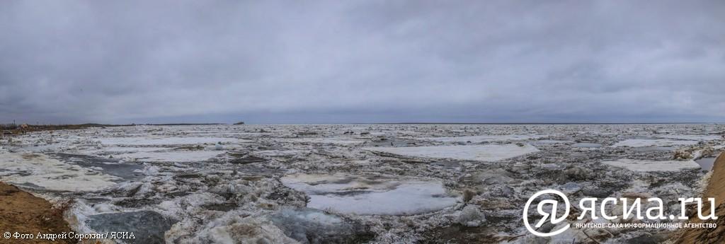 Фотохроника паводковой обстановки в Якутске