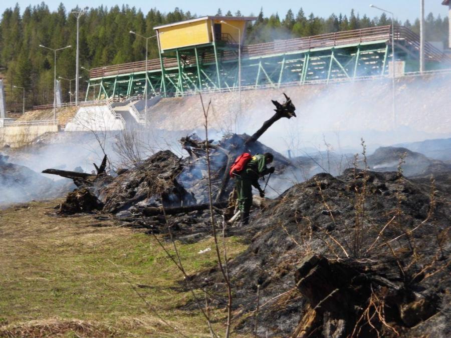 Сотрудники МЧС Алданского пожарно-спасательного гарнизона совместно с лесничеством провели учения