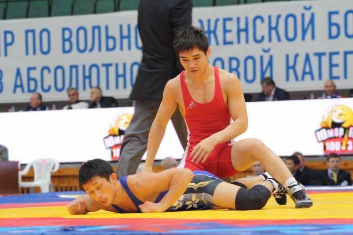 ro-696x464 Владислав Андреев сразится за бронзовую медаль чемпионата Европы