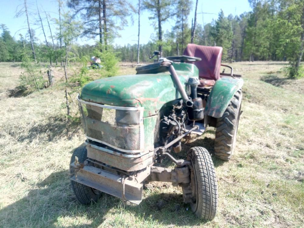 В Амгинском улусе перевернулся трактор, водитель погиб