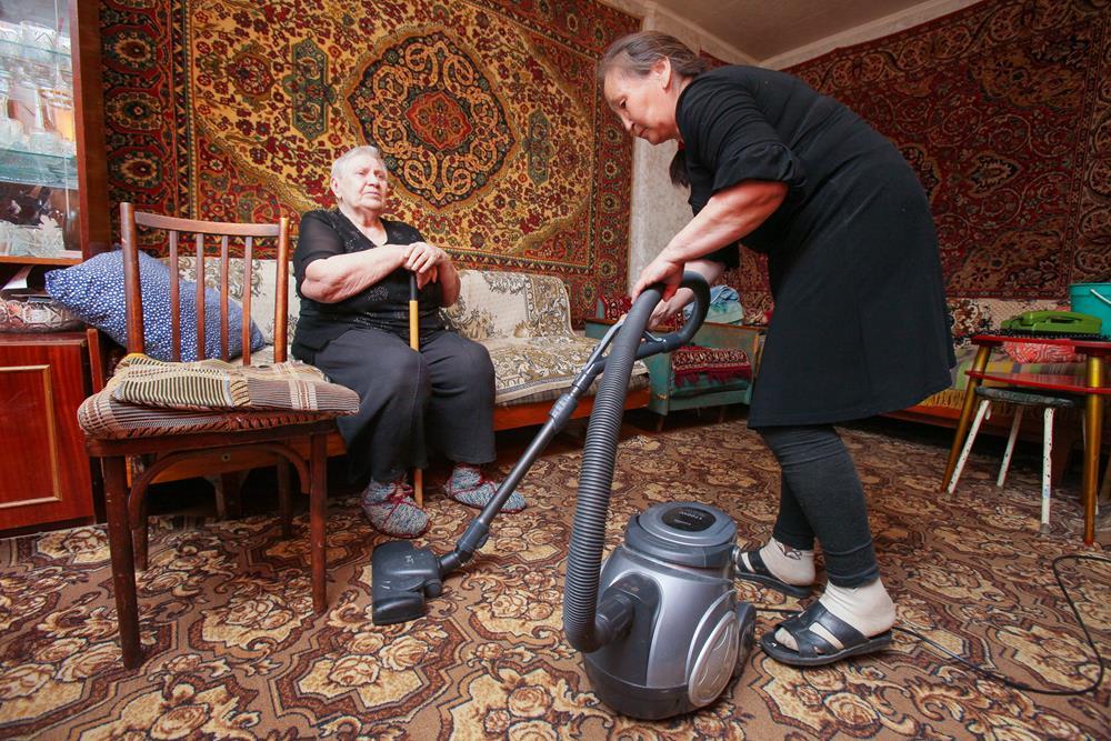Эксперты: Соцработники должны сыграть важную роль в снижении бедности