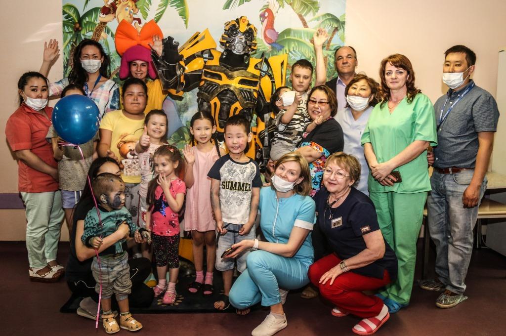 День защиты детей отметили в аэропорту «Якутск»
